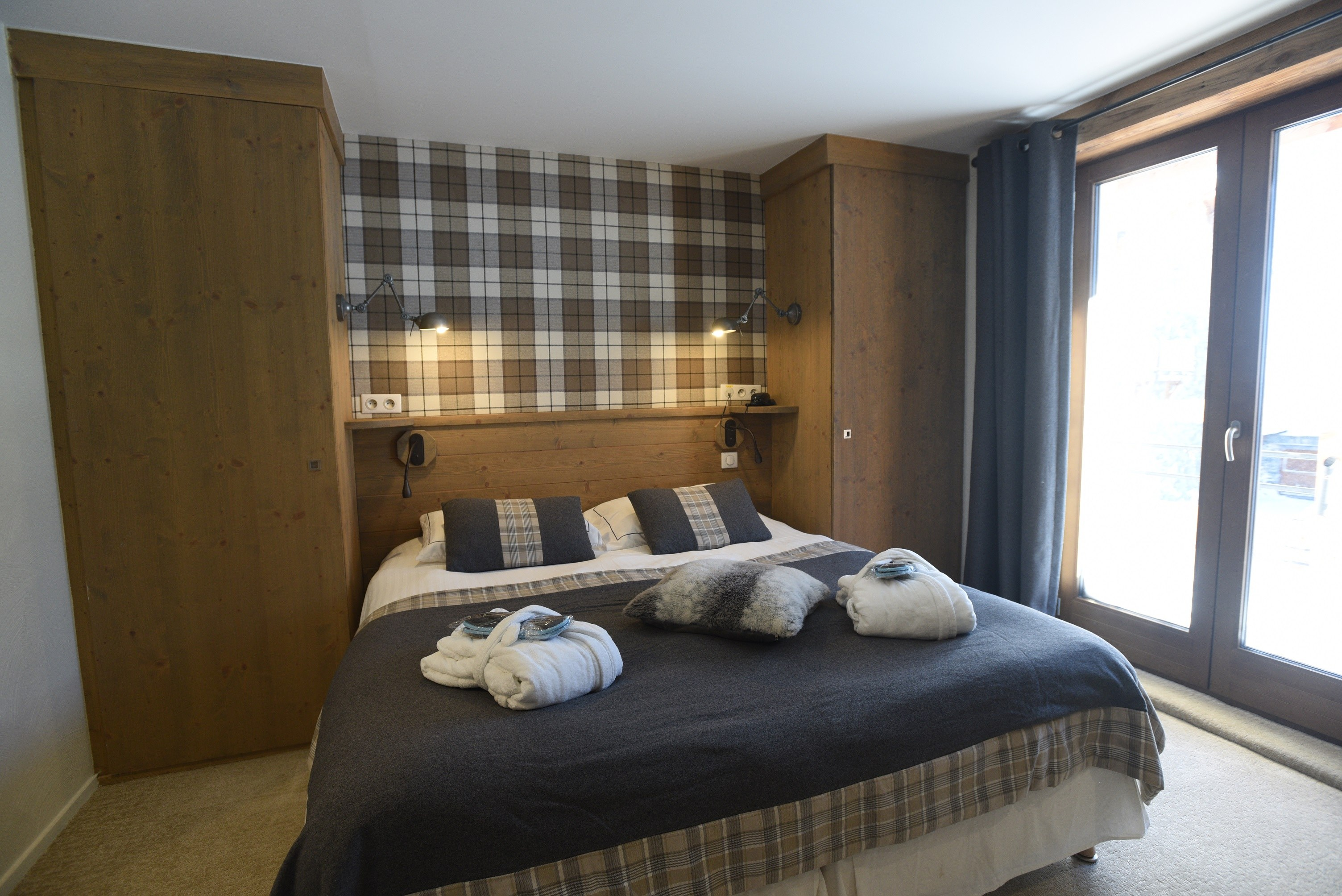 hotel-on-the-slopes-val-isere-family-room