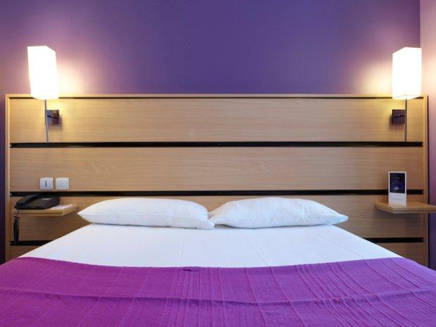 chambre double hotel Kyriad canal saint martin