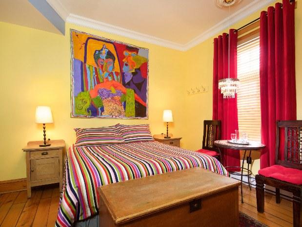 auberge-centre-ville-montreal-chambre-confort-702