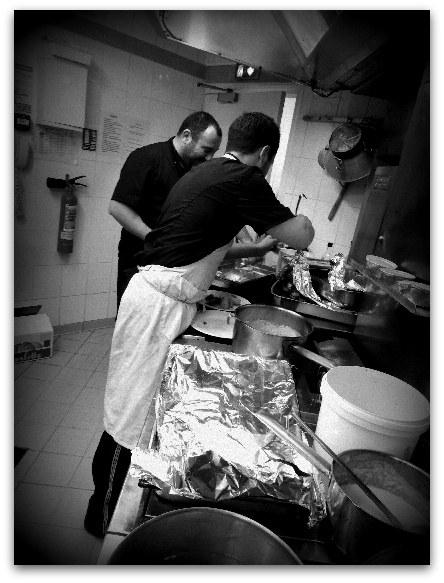 Staff cuisine restaurant le Monarque BLOIS centre