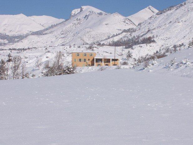 grand-gite-pmr-paca-gite-les-robines-neige