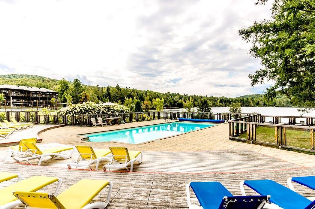 location-chalet-mont-tremblant-lac-piscine