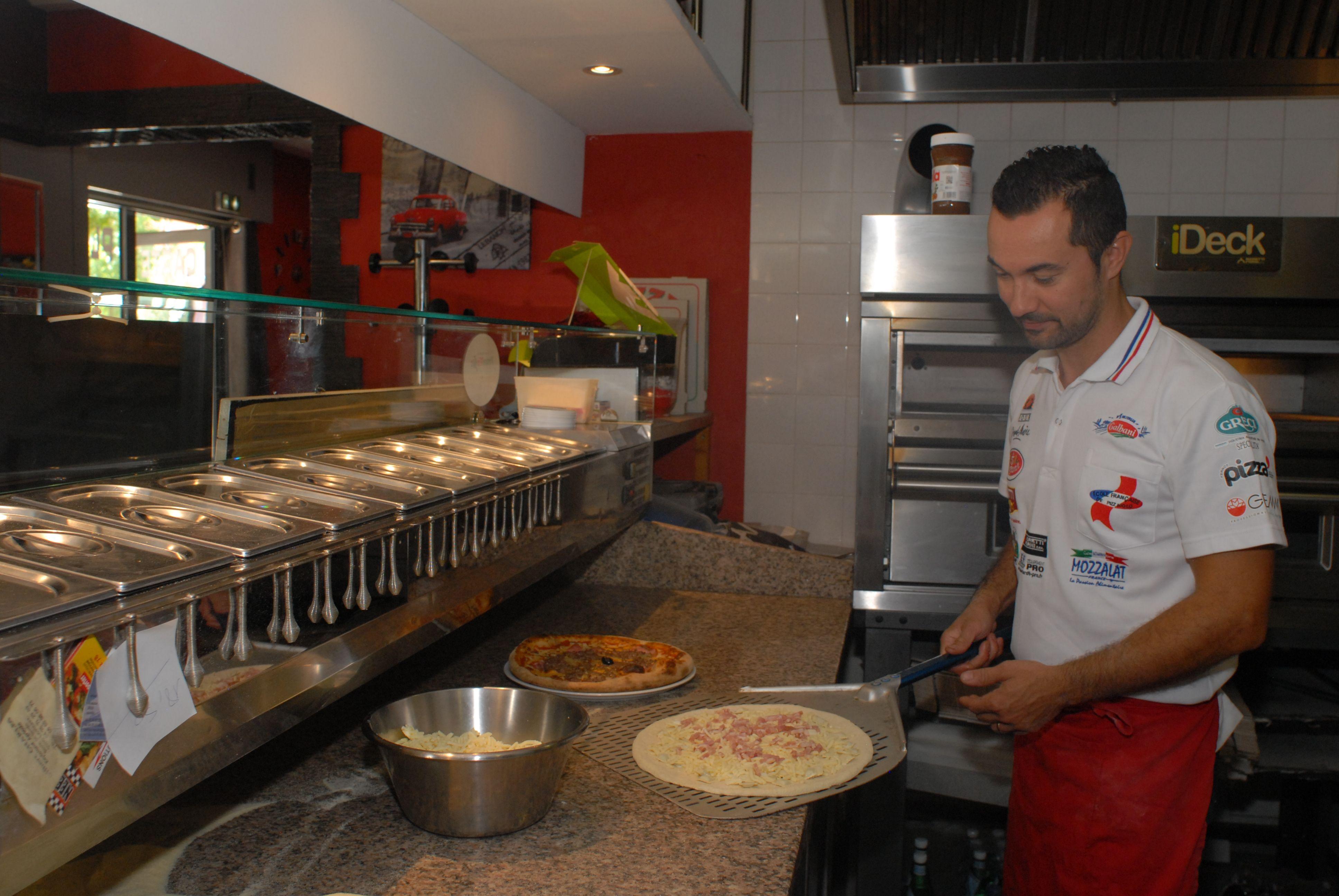 restaurant-pizzeria-echirolles-franck-four-a-bois