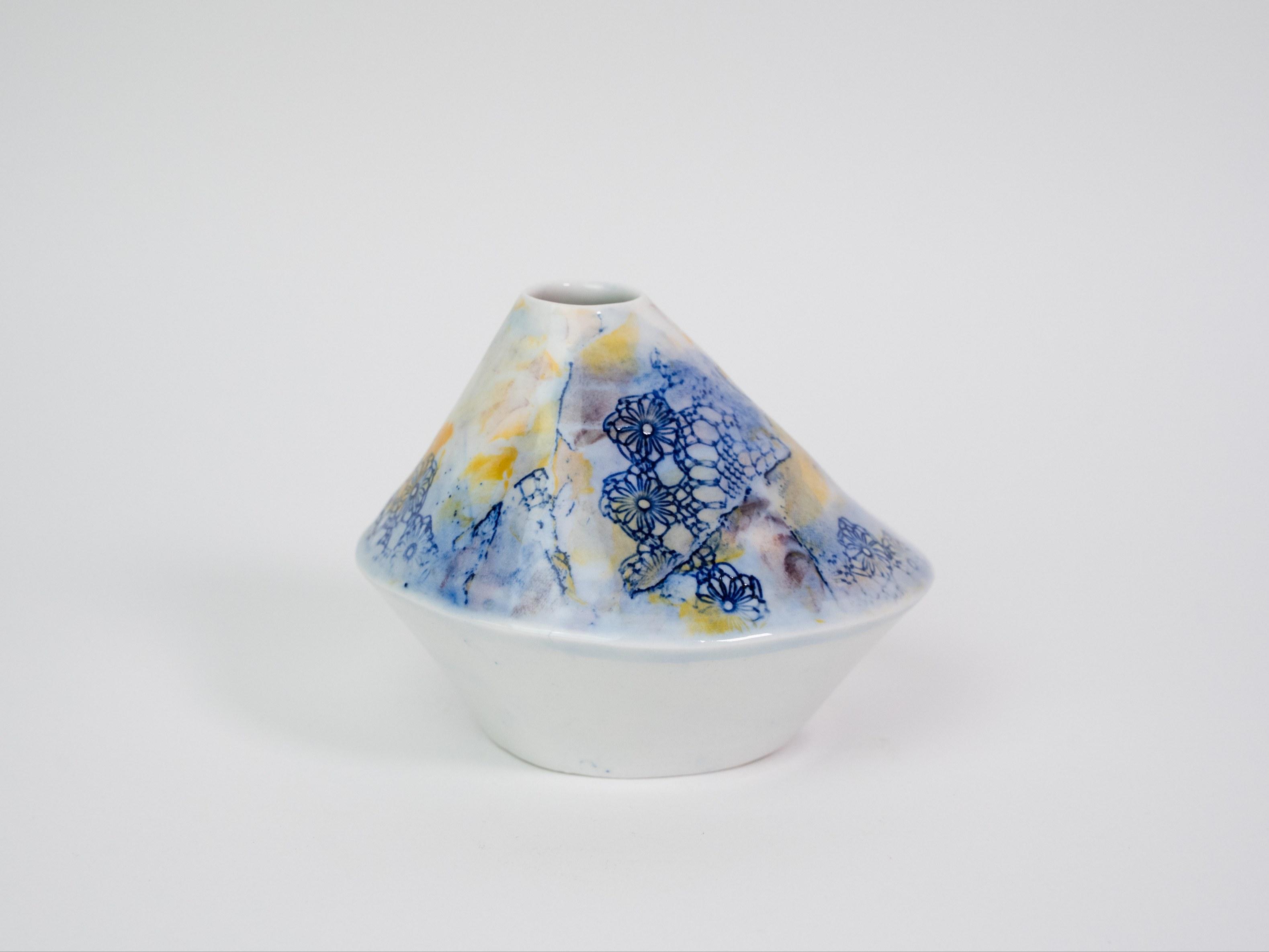 Collection Burano- Soliflore triangle  dentelle colorée- Couleur Jaune Rose