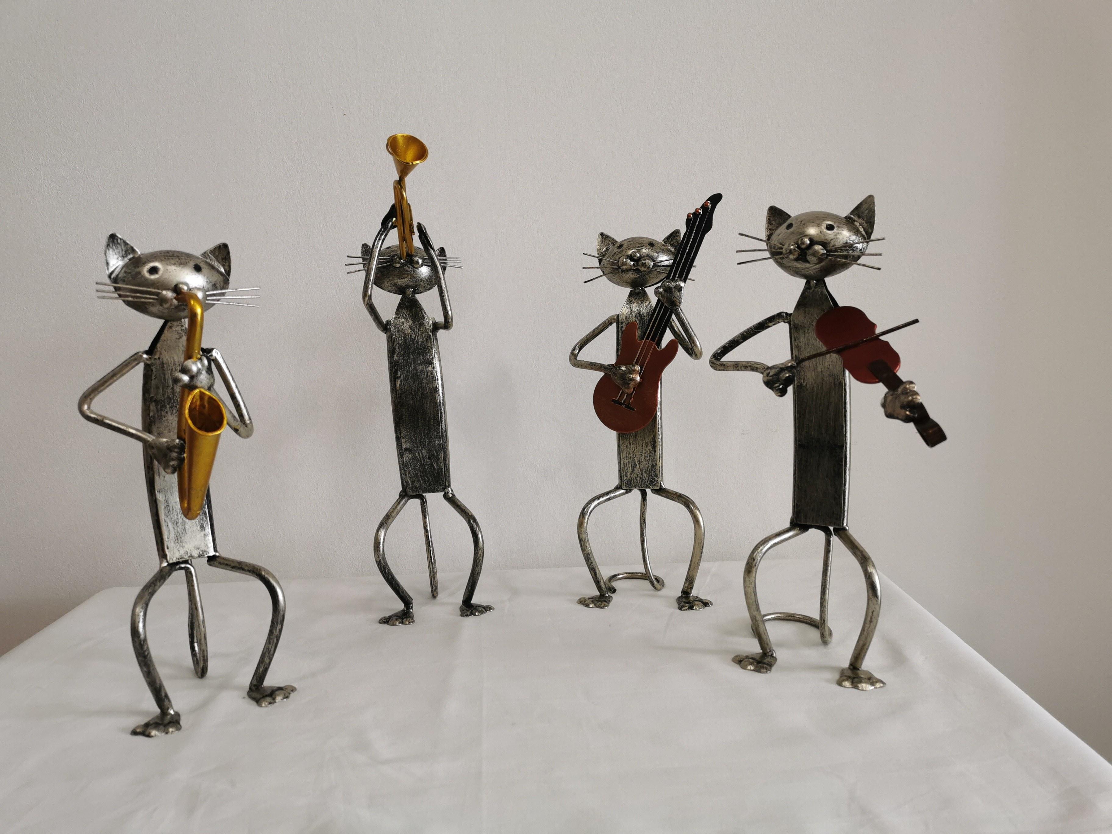 statuette chat musicien en métal