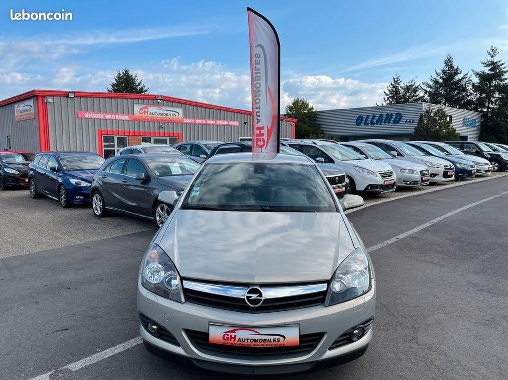 Opel Astra GTC 1.9CDTI 120CV