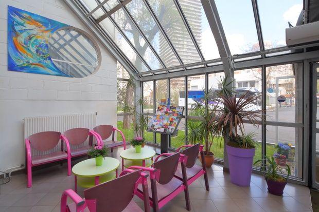 hotel-paris-13-avec-parking-hall-accueil