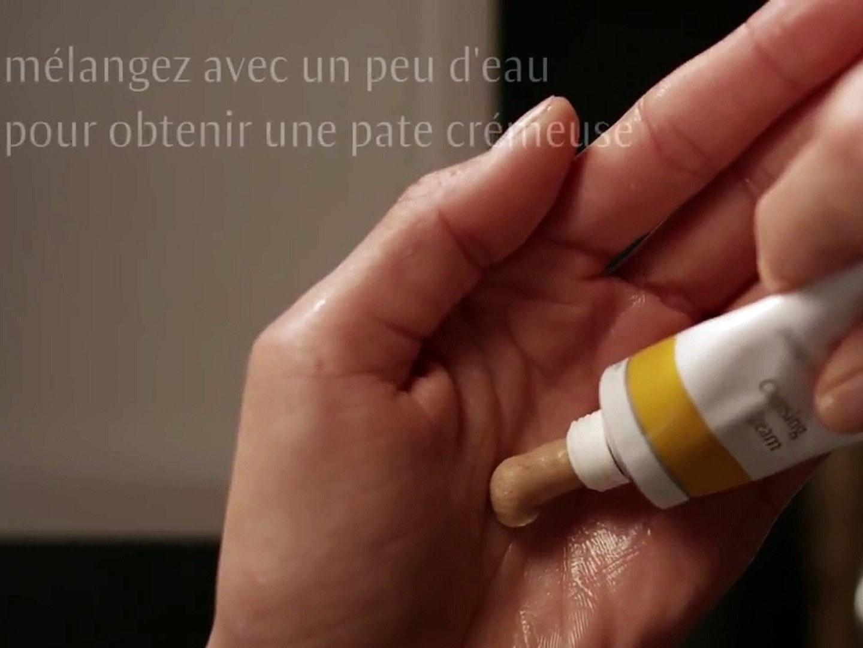Application de Crème Purifiante Dr. Hauschka
