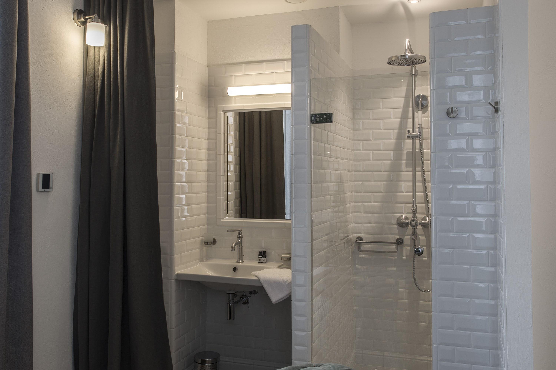 appart-hotel-angouleme-appartement-2-chambres-salle-de-bains-1