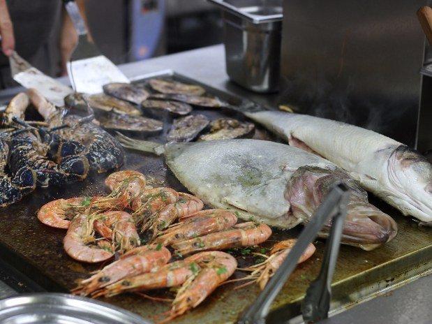 Plancha-Restaurant-Le-Provence-Corenc-Grenoble-produits-de-la-mer