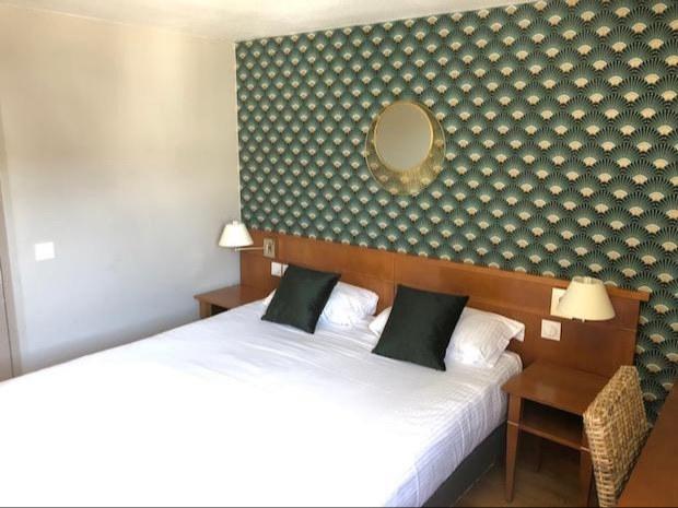 chambre-double-hotel-pont-l'eveque copie