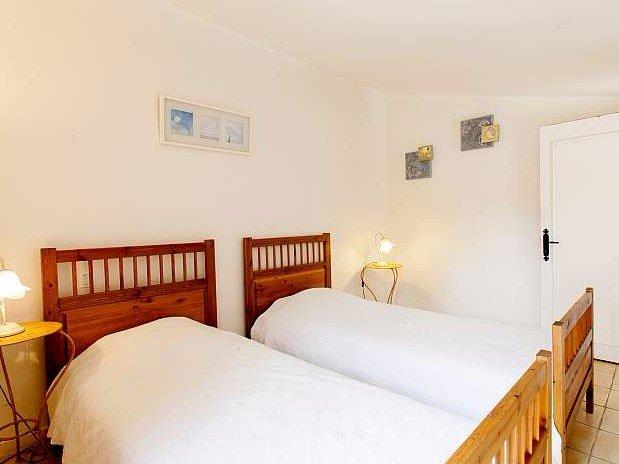 Chambre 2 à l'étage-La maison des canards- DOmaine de la Provenc'ane-Salernes