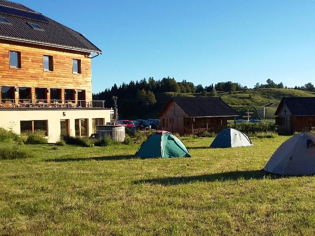 gite-randonnée-jura-camping