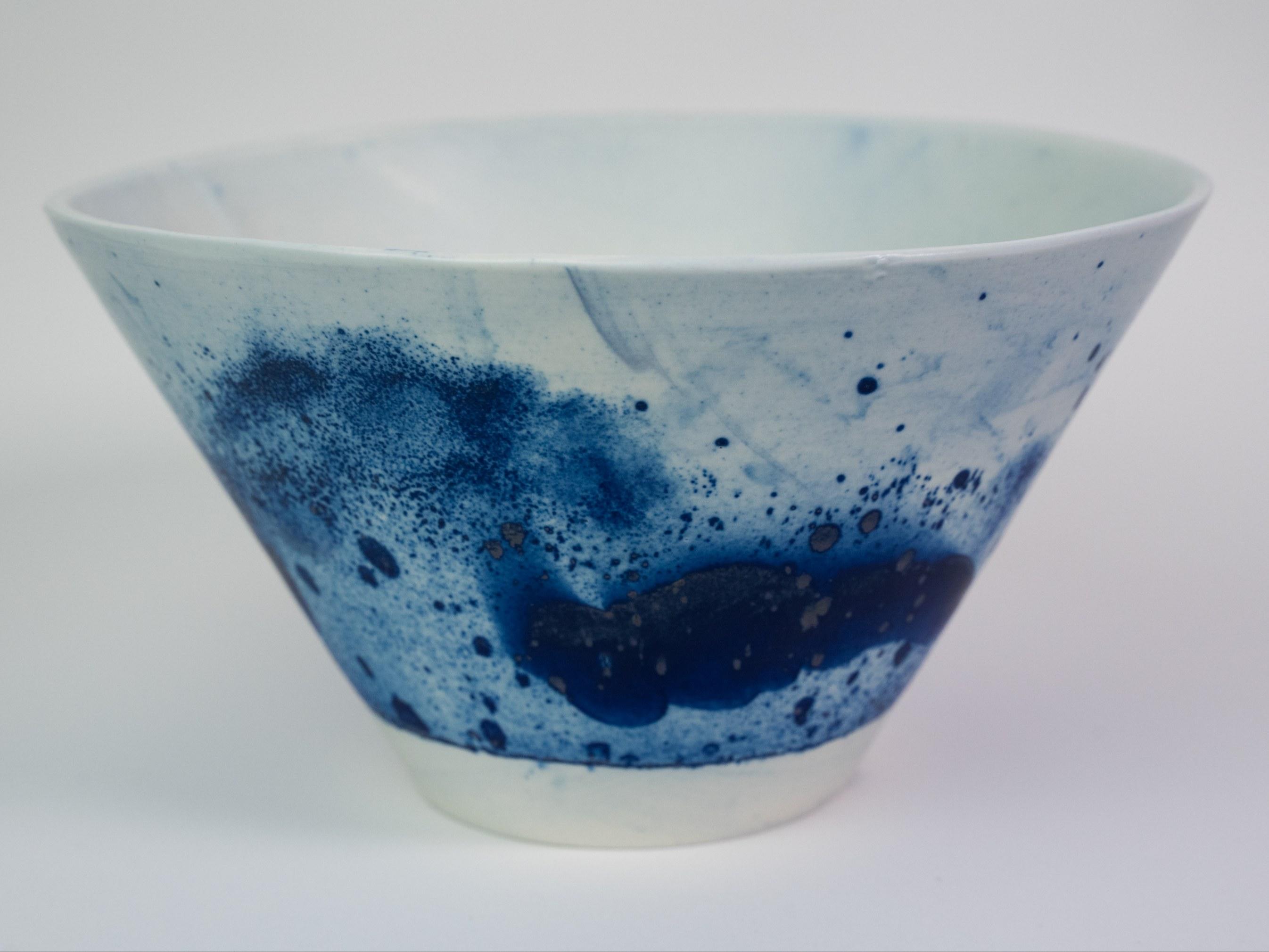 Collection Ligne Bleue -Grand saladier  porcelaine bleu mat