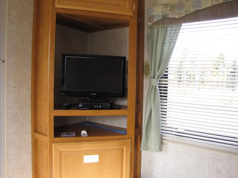 location-roulotte-gaspésie-mallard-tv