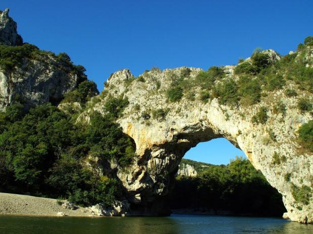 Le pont d'Arc et les gorges de l'Ardèche