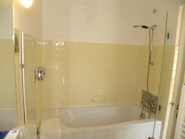 double room village side  bathtub