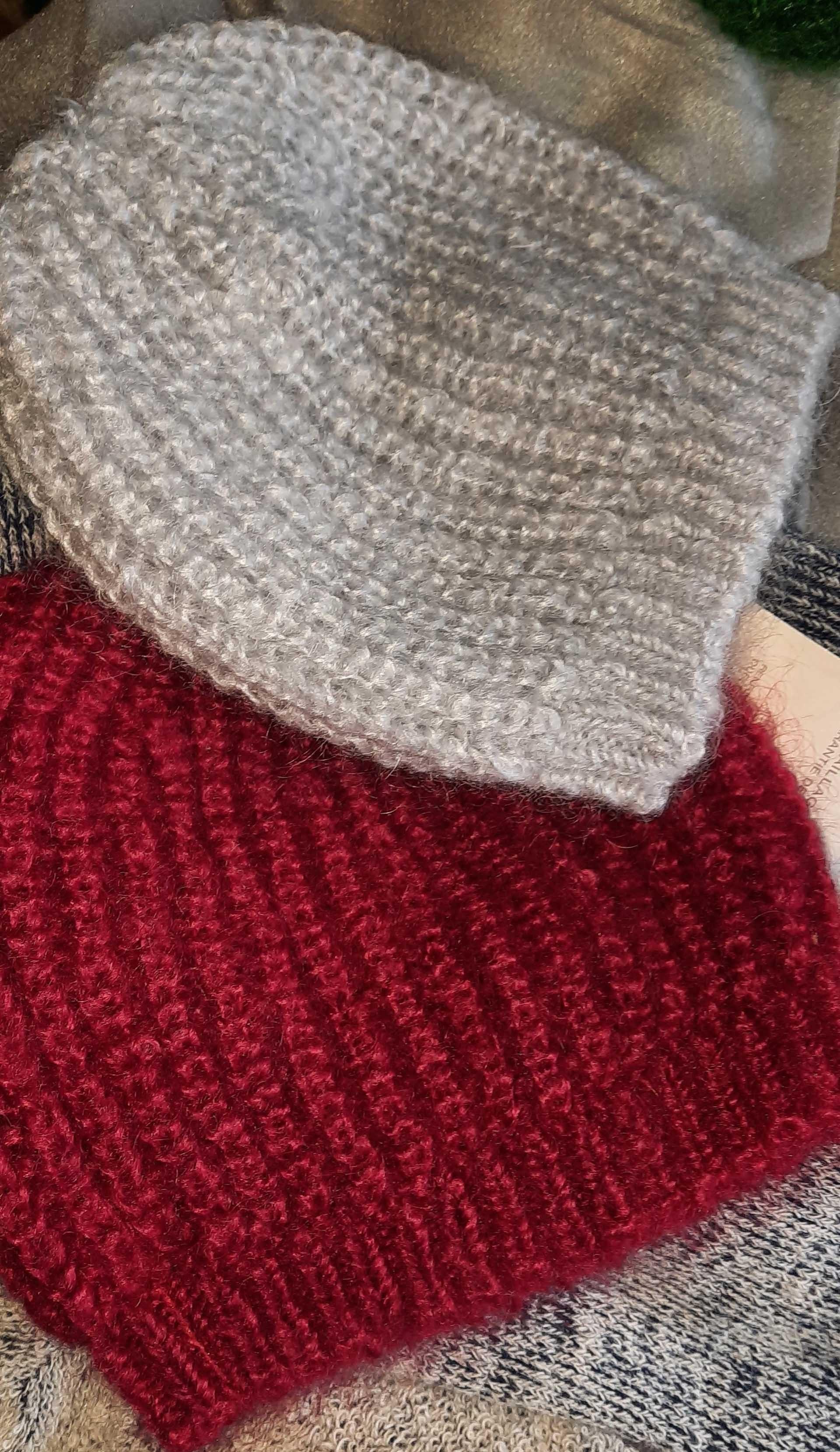 bonnet pur mohair gris-rouge