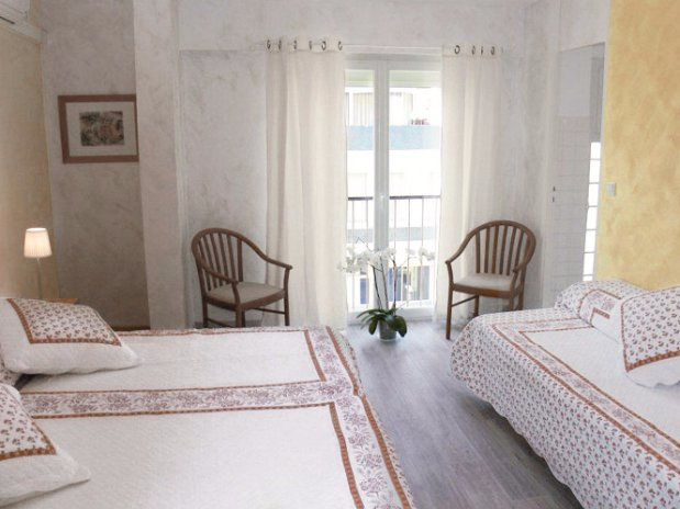 triple room village side with 3 beds                                           side with 3 beds-