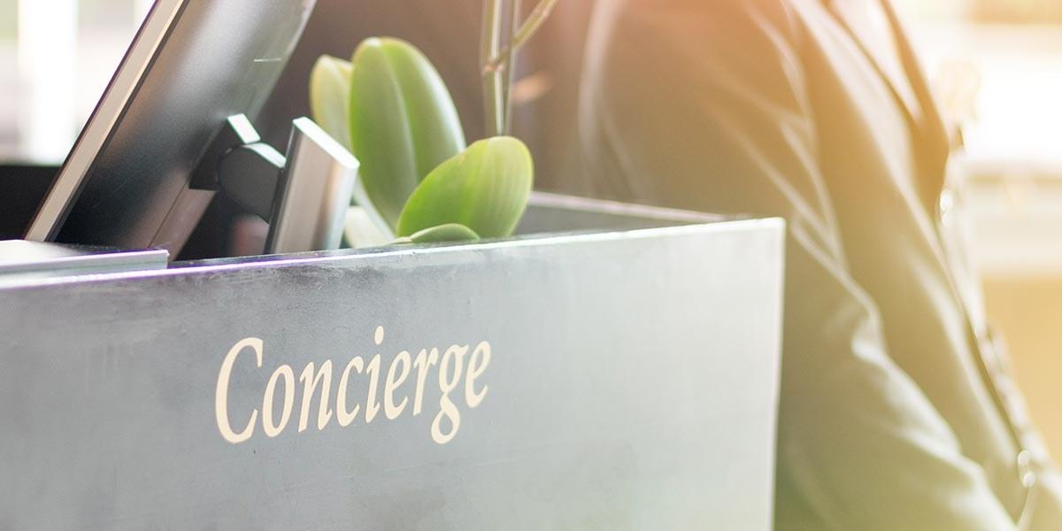Un-accueil-souriant-et-des-services-de-conciergerie-de-qualité-au-sein-de-Luberon-l'Hôtel1.1