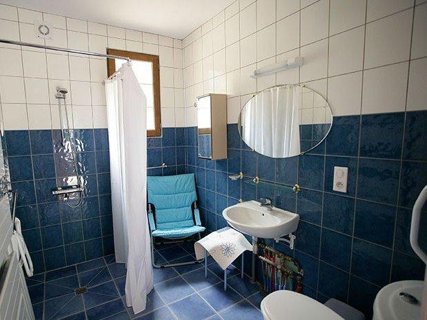 gite-lac-du-der-au-milieu-de-nulle-part-gite-les-emeraudes-salle-de-bain