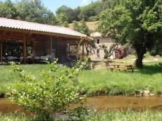 Moulin de Malfragnier camping de retourtour 4 etoiles ardeche riviere piscine
