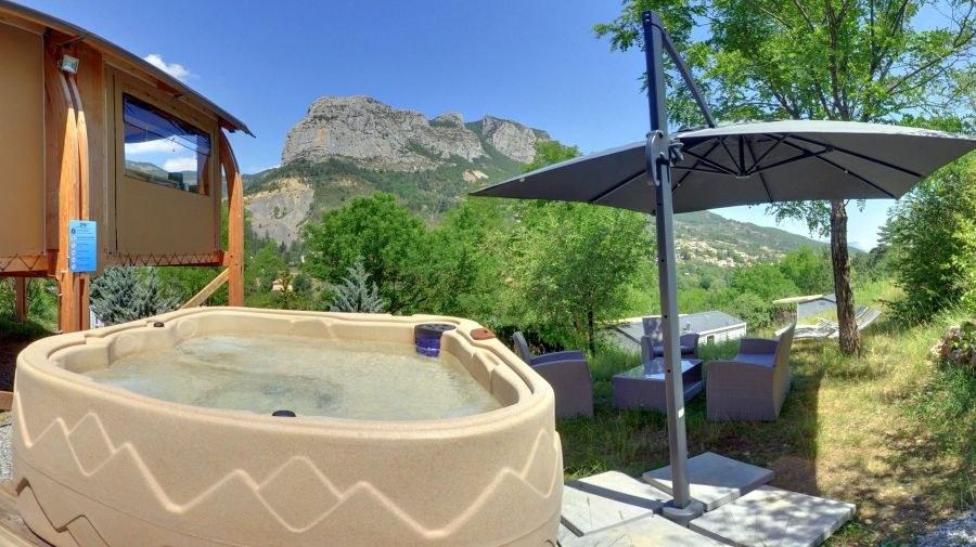 Toilé luxe camping Hautes-Alpes familial piscine escalade