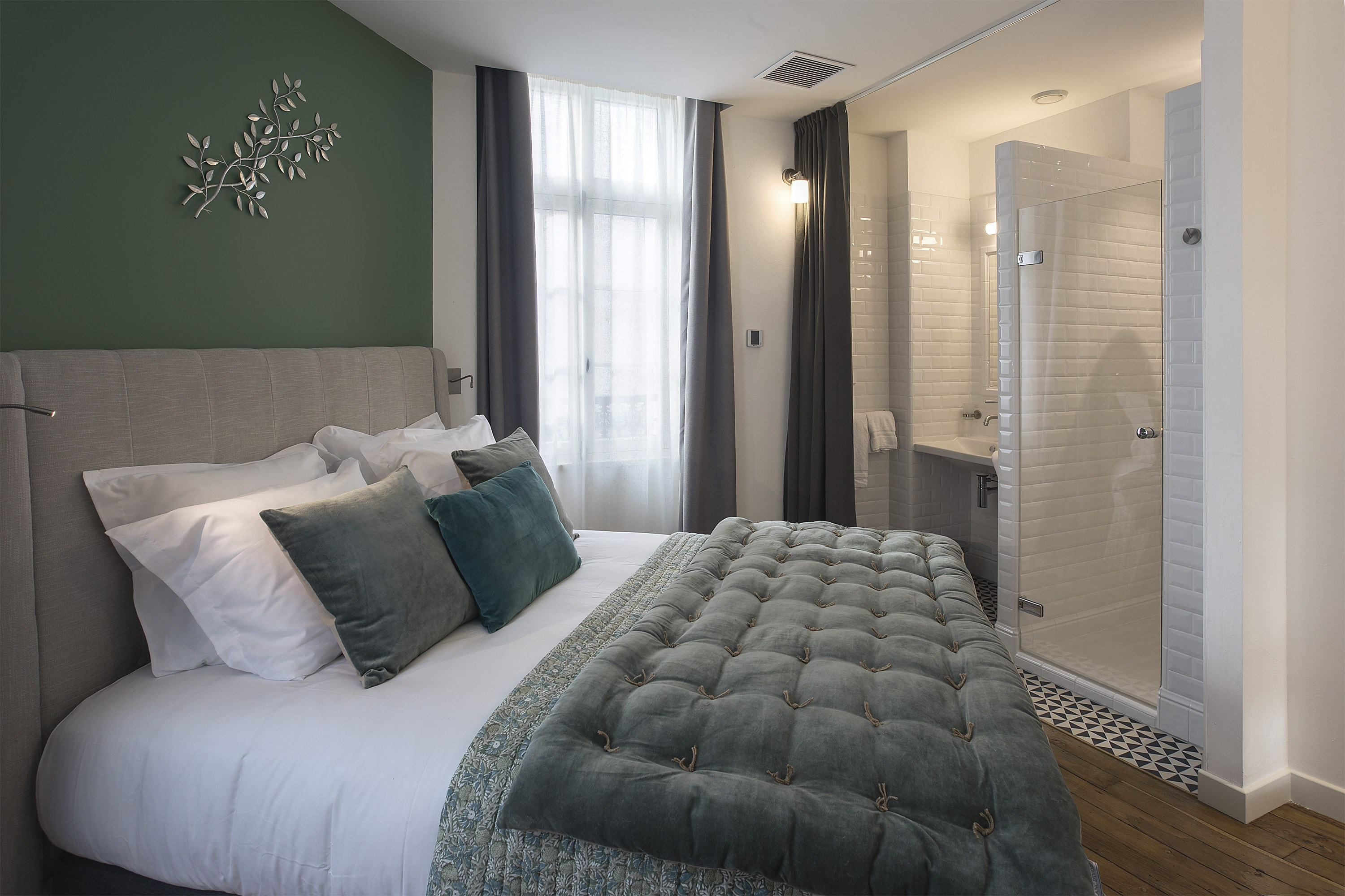appart-hotel-angouleme-appartement-2-chambres-lit-king