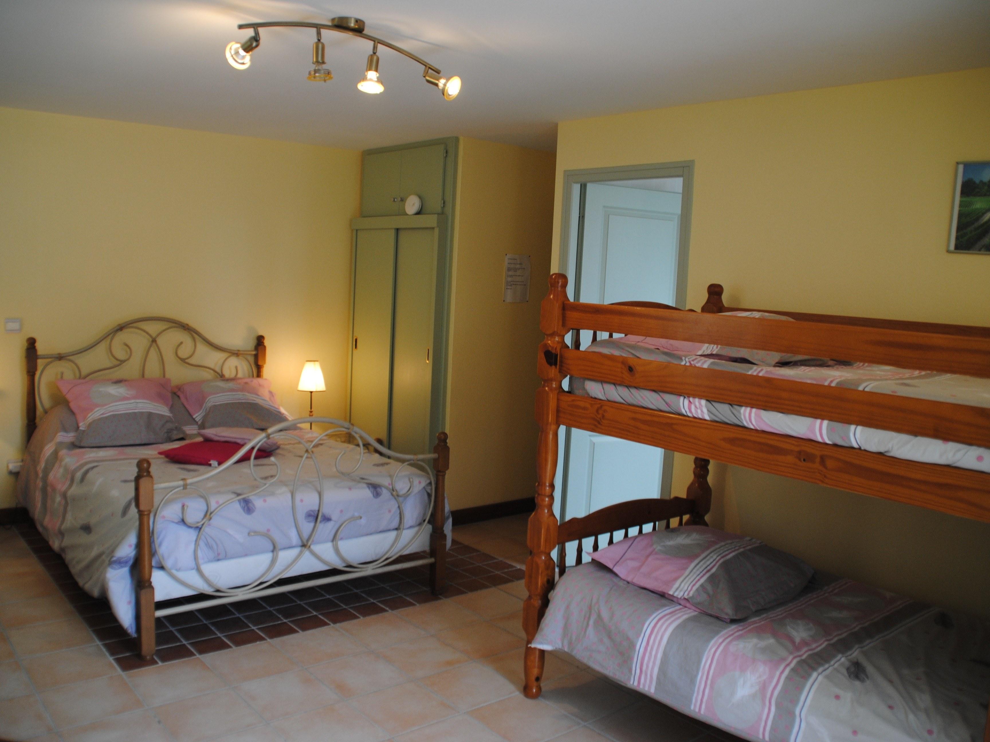 baroville-champagne-chambre-porte-lit-double-superposé