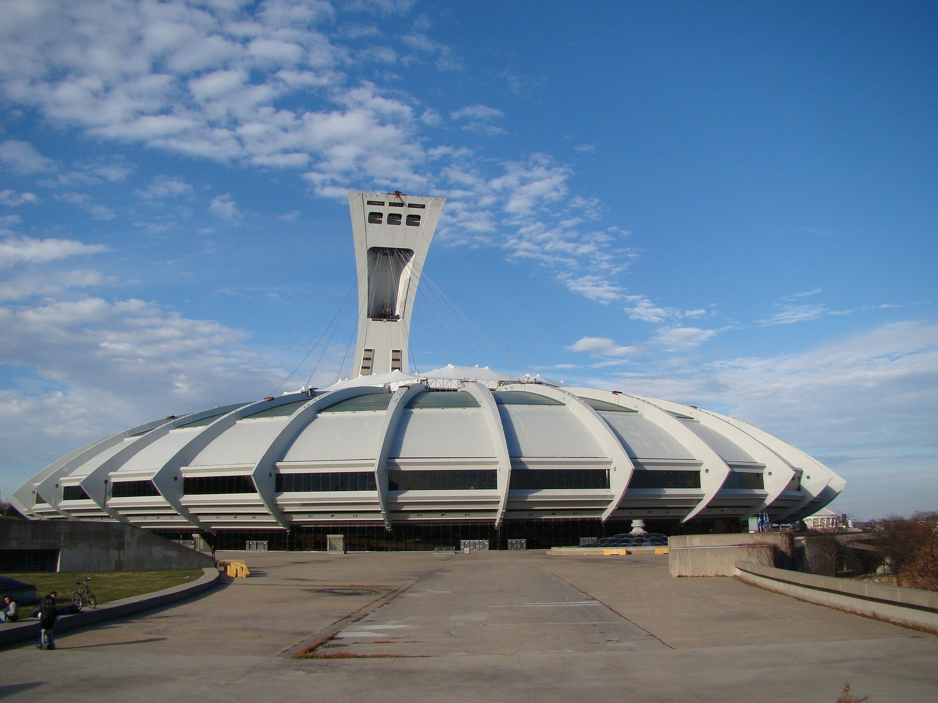 hotel-montreal-est-stade-olympique