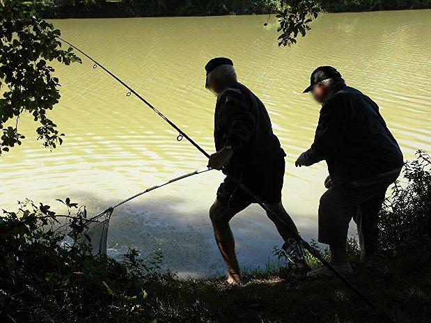 Pêcheurs sur le plan d'eau de Mépillat
