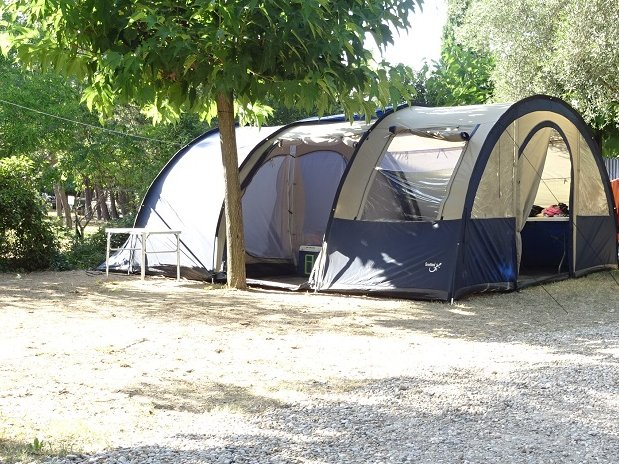 CAMPING L OLIVIER - SOMMIERES - NIMES – EMPLACEMENT – CARAVANE – TENTE - GARD