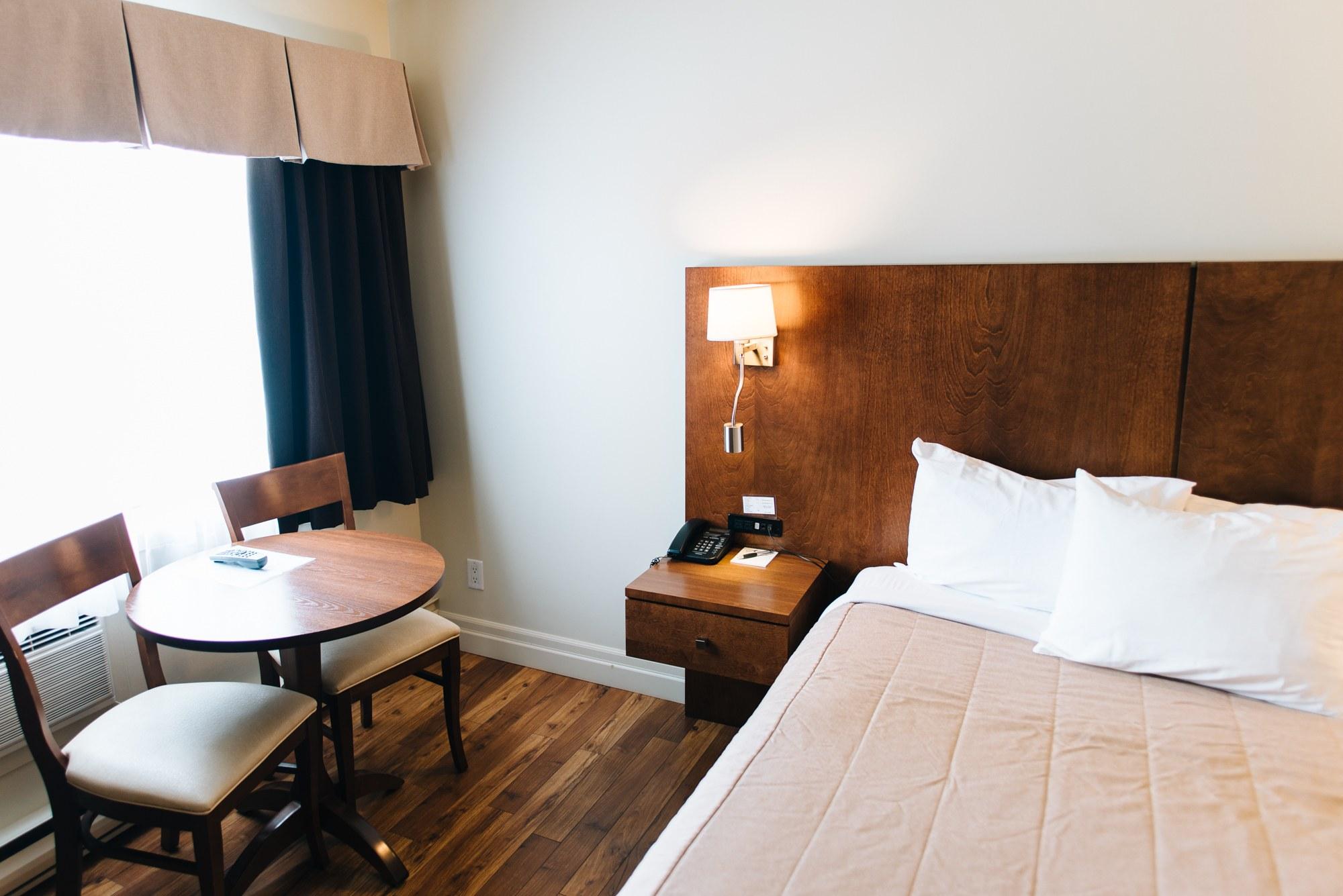 Hotel-centre-ville-rouyn-noranda-classique-3