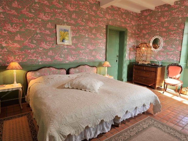 Chambre Tilleul-chambres d'hôtes de charme-perigord-villereal-monflanquin