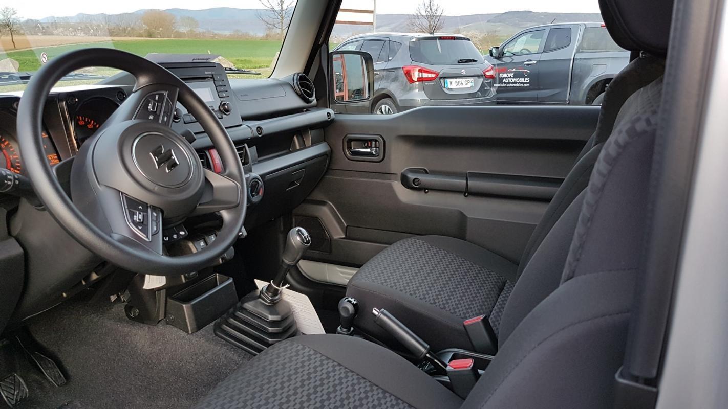 Suzuki Jimny 1.5 VVT PRIVILEGE ALLGRIP