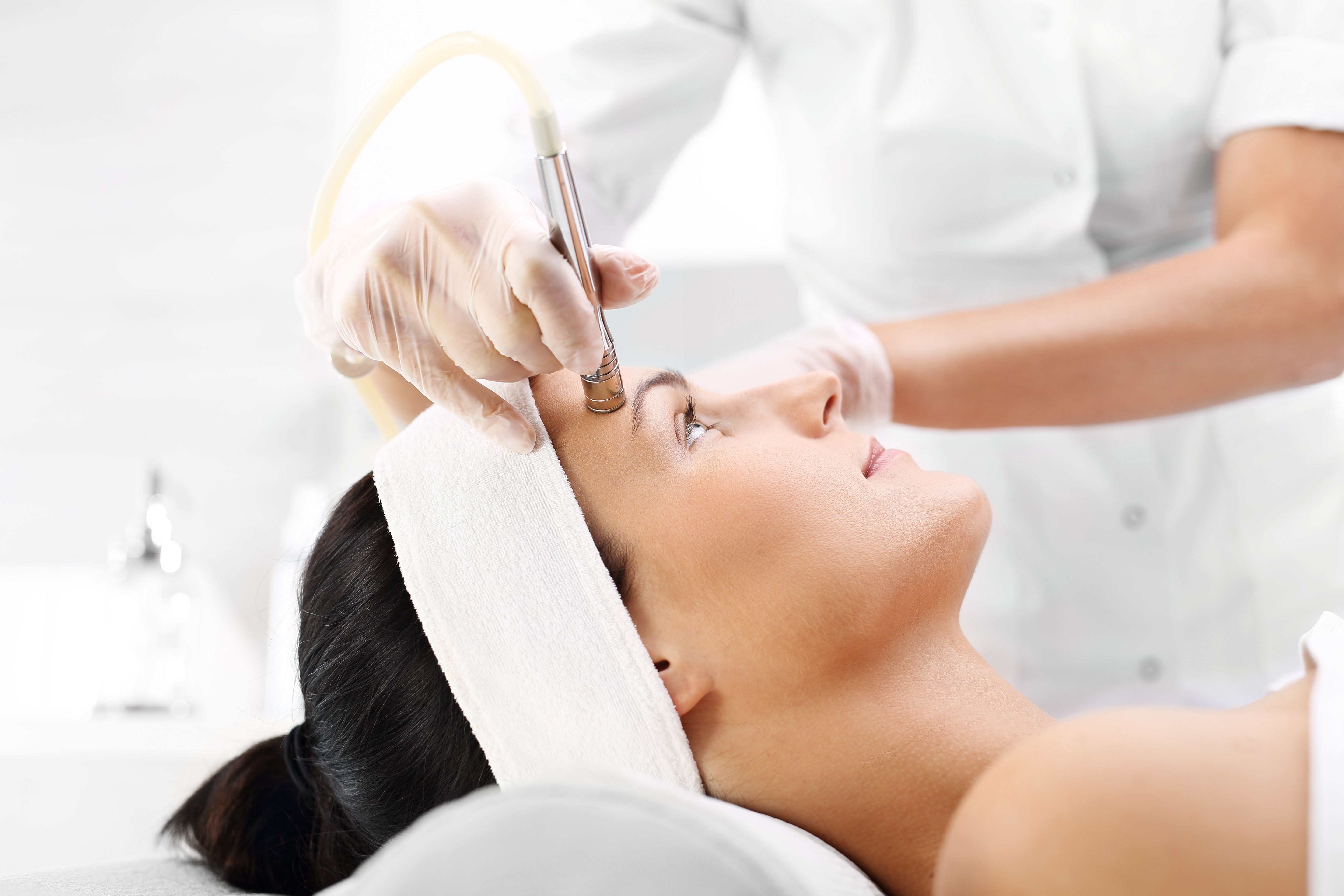 microdermabrasion-clinique-catherine-jonquiere-4