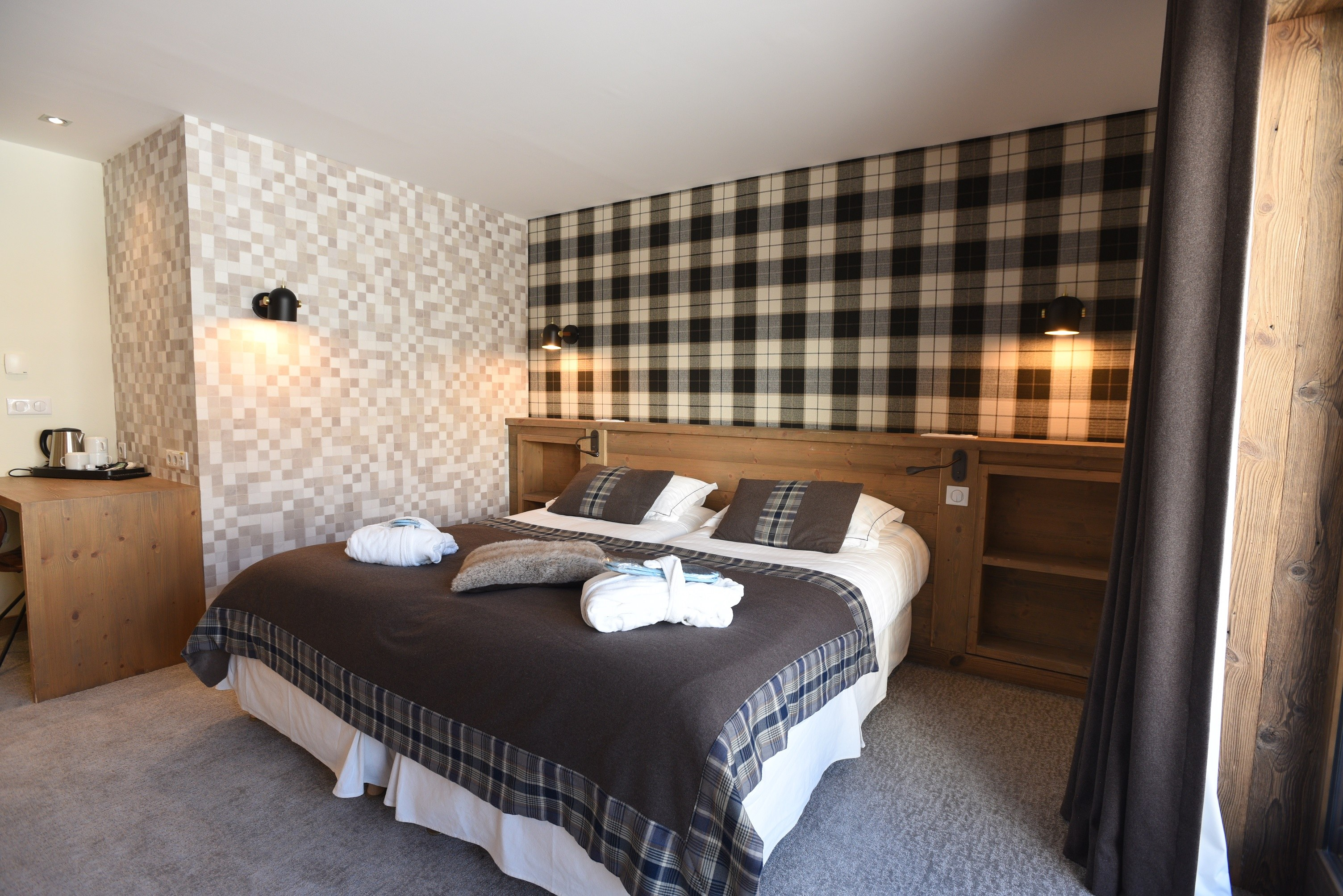 hotel-on-the-slopes-val-isere-comfort-family-room-2