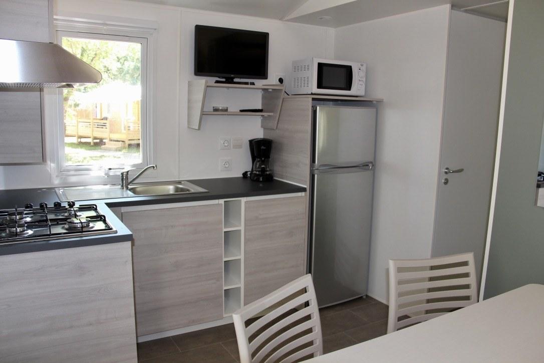 cuisine mobil-home camping rocamadour Lot piscine chauffée padirac