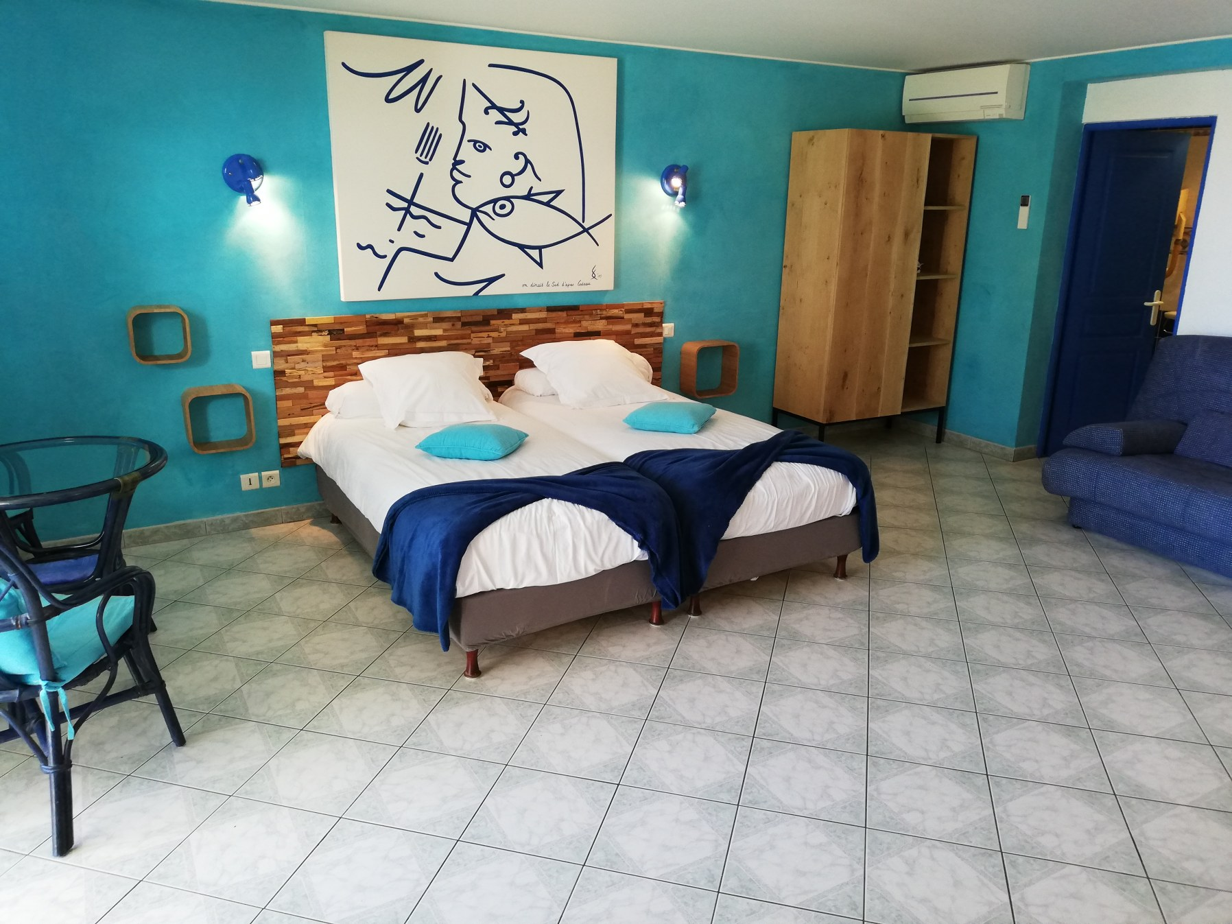 chambre d'hotes st raphael Cocteau intérieur