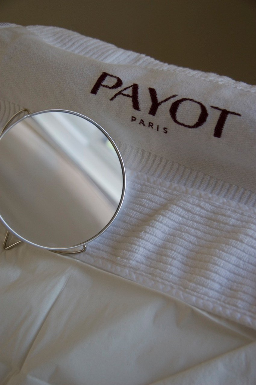 Payot mirror