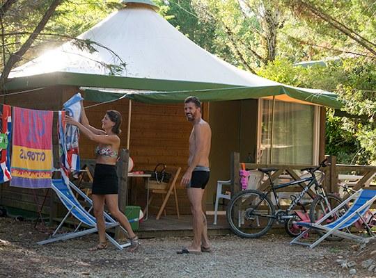 CHALET 03 camping familial nature lot piscine occitanie