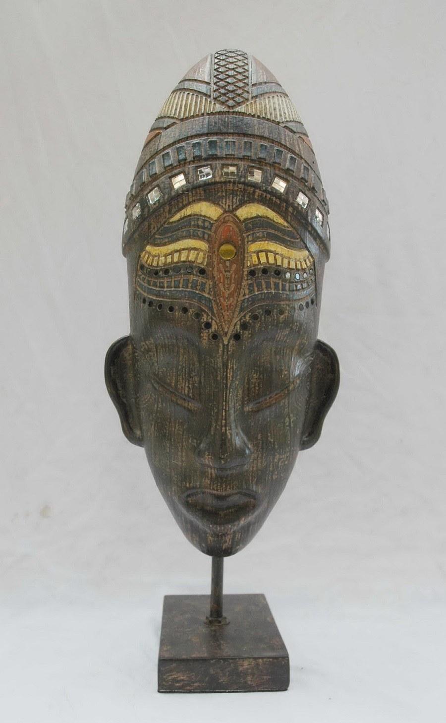 masque africain en résine 1.