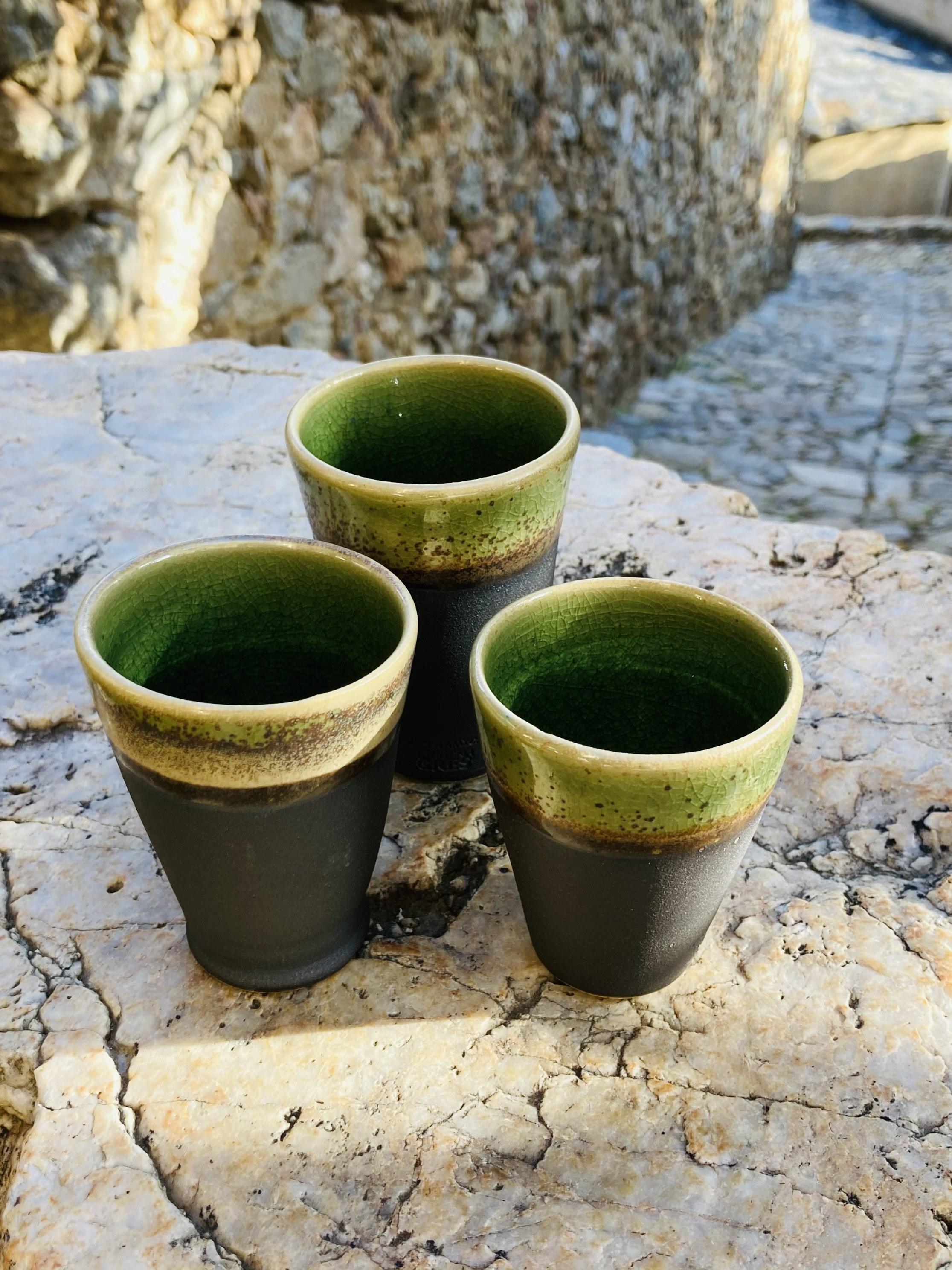 45-Tasse a café noir vert cone