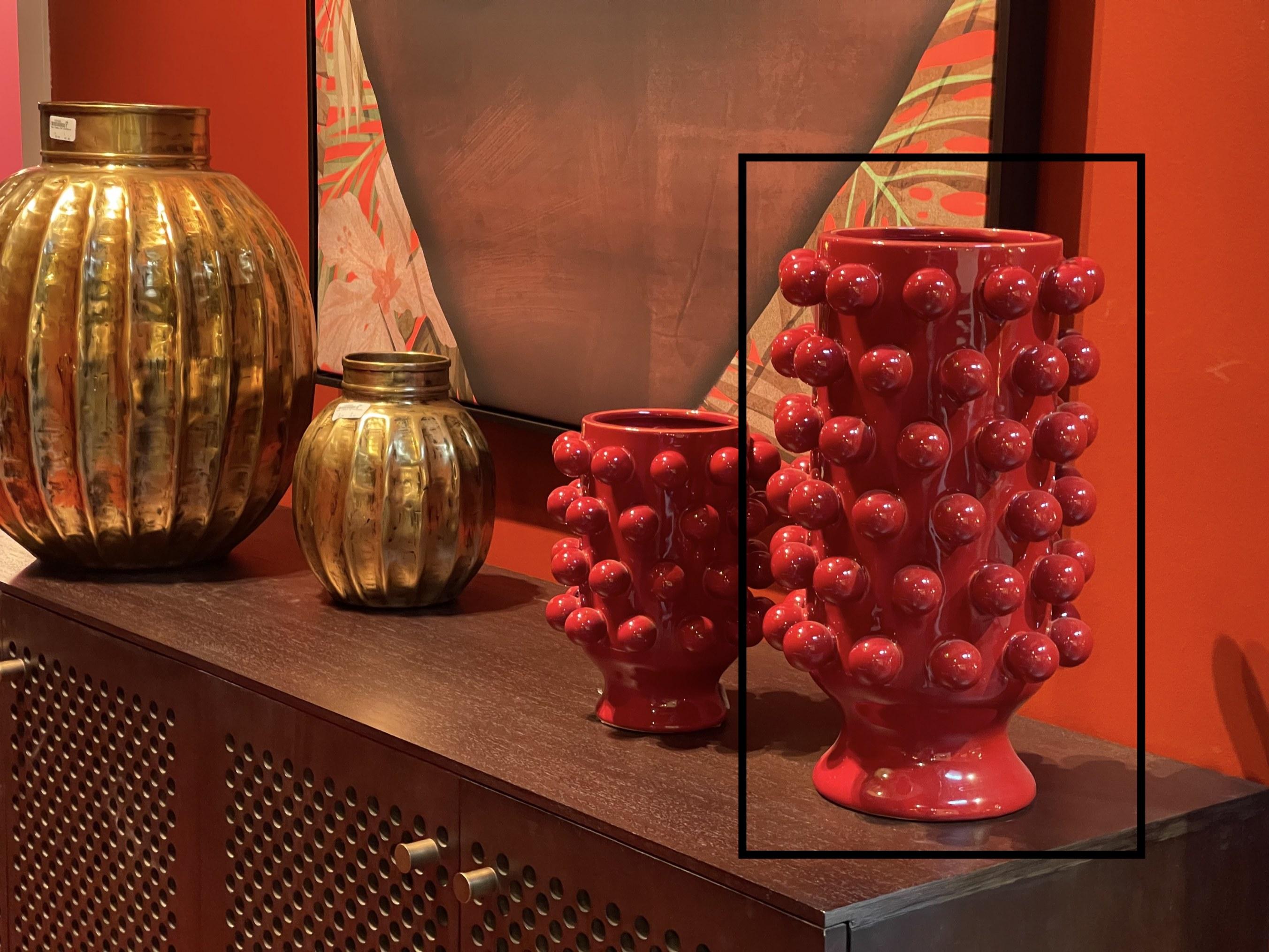 ambiance vase rouge.