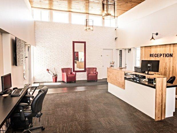 motel colonial motel colonial rimouski h bergement h tel. Black Bedroom Furniture Sets. Home Design Ideas