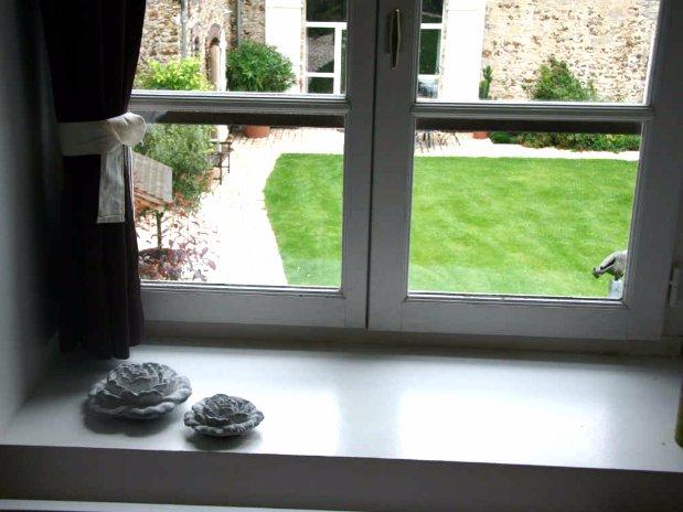 Folle farine-rooms-moulin de lonçeux-bed and breakfast-seminar-window