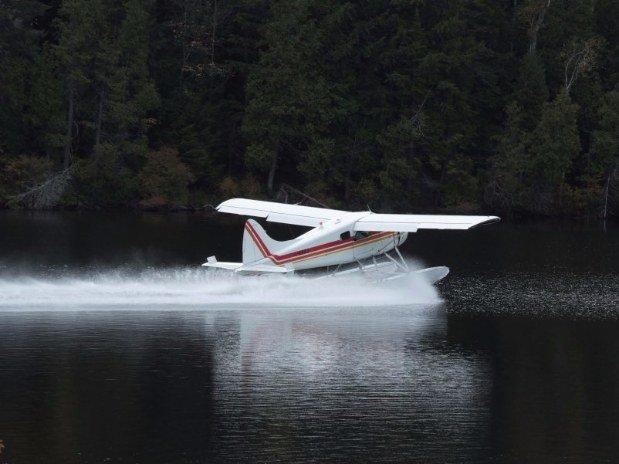 Pourvoirie du lac blanc saint alexis des monts hydravion