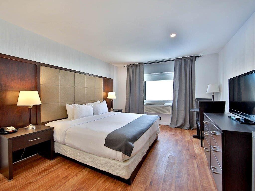 hotel-montreal-est-pas-cher-lit-king