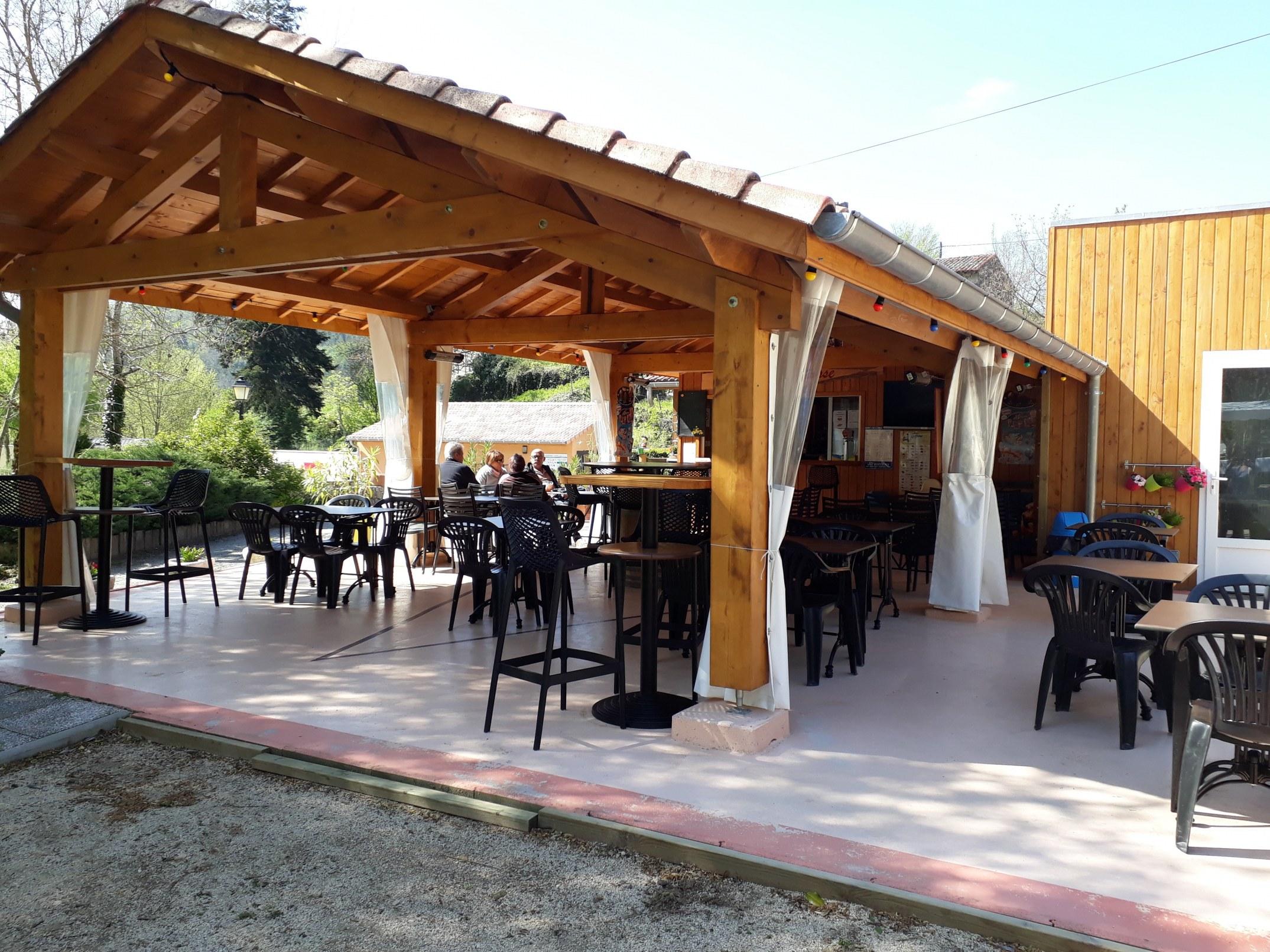 restaurant camping de retourtour 4 etoiles ardeche riviere piscine