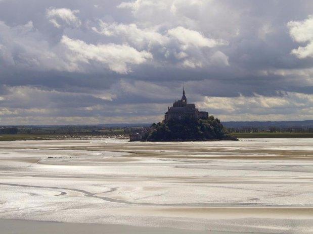 crossing the bay of mont saint michel